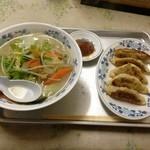 百番食堂 - タンメンと餃子