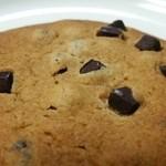 セブンイレブン - 料理写真:ほんのりビターなチョコチップクッキー