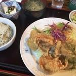 ホルモン焼 げんこつ - 塩唐揚げ定食