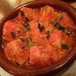 エル ブエイ - トマトのアヒージョ