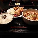 うどん万福 - 唐揚げ定食(うどん大盛、税込850円)