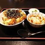 うどん万福 - ミニ天とじ丼(税込580円)