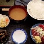 英香 - 息子のかつおさしみ定食