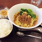 35190572 - 成都担々麺¥1000(ランチセット)