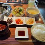 焼肉・ホルモン 炙  - つぼカルビ定食