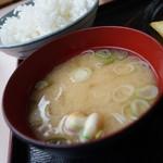 レストラン 味禄 - ワカメネギ汁