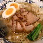 松波ラーメン店 - 得心麺(全部いり)
