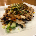 横浜中華 王記厨房 - 蒸し鶏の山椒風味ソース 390円