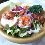 カリーナ - 料理写真:ドレッシングはニンニクが効いてるチキンサラダ(ミニ)