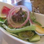 YAJI - つくば野菜サラダを本日のドレッシングで…