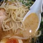 35210617 - 魚介とんこつ太麺