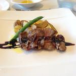 ヴェント モデルノ メインダイニング - 肉料理 イベリコ豚ロースター バルサミコソースがけ 季節の野菜添え