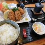 旬菜料理 楽 - カキフライとご飯セット
