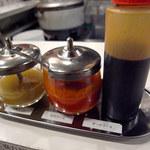 MR.CHICKEN鶏飯店 - チキンライスのソース3種