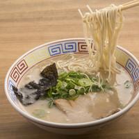 麺志 - 幅広い世代に人気
