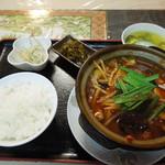 35239475 - 2015年2月、 激辛モツ鍋(920円)定食(200円)