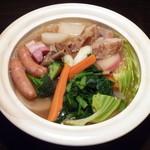 ビストロ・ポトフ - 冬野菜たっぷり 豚トロと鴨肉のポトフ