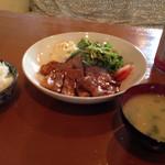 モンキーモカ コーヒープラスモア - ケイジャン・トンテキ LUNCH~(^.、^)/(200g)¥950円