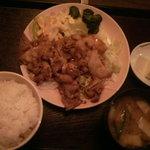 亀の子食堂 - 料理写真:生姜焼き定食740円