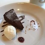 ノーホエア - チョコレートケーキ♡