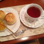 ローズマリー - 紅茶とスコーン