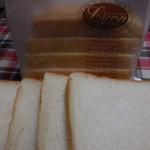 小麦館 - 絹生食パン8枚切¥270-