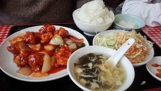 赤坂天府 東向島店 - 酢豚は甘め、かなり甘い味付けです