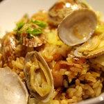 ルーディリシャス - アサリの出汁が利いてる!アサリとタコのレタス炒飯