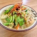 新山食堂 - 野菜そば