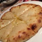 SAPANA  - チーズナン