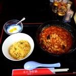多福楼 - 酸辣湯と半炒飯