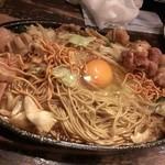 Kenzokafe - 焼ラーメン・牛モツ(&勝手に地鳥・ナンコツ・つくね)トッピング(2015/2)
