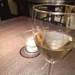 ハイド アンド シーク - お店が選んでくれた白ワイン