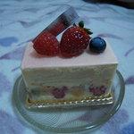 3527265 - フルーツのケーキ