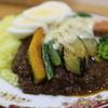 かれーの店 ポカラ - 料理写真:ナス、インゲンカボチャ、野菜が豊富に入り上からはチーズ