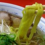 35271698 - 黄色っぽい麺です。
