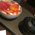 魚貝亭 - 海鮮ちらし