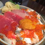 魚貝亭 - 海鮮ちらし1280円