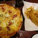 35274117 - ミックスピザ+フィッシュ&チップス