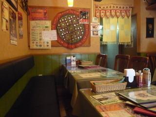 カマナ 川越西口店 - こじんまりとした小さなお店です