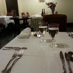 フランス風郷土料理 欅 - テーブル席
