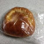 35278849 - クリームパン 140円(税別)