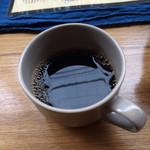 35279736 - 朝はロビーでコーヒーが飲めるのですが、これが美味しかった!