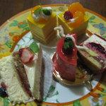 ル・プティ・ブーレ - ケーキ3種 断面