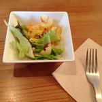 森のカフェ - ランチセットのサラダ。