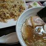 食楽 なごみ家 - ラーメン(醤油・細麺)・チャーハンセット