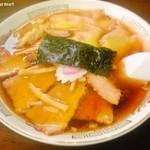 元祖 やまちゃんラーメン - チャーシューワンタンメン (850円)