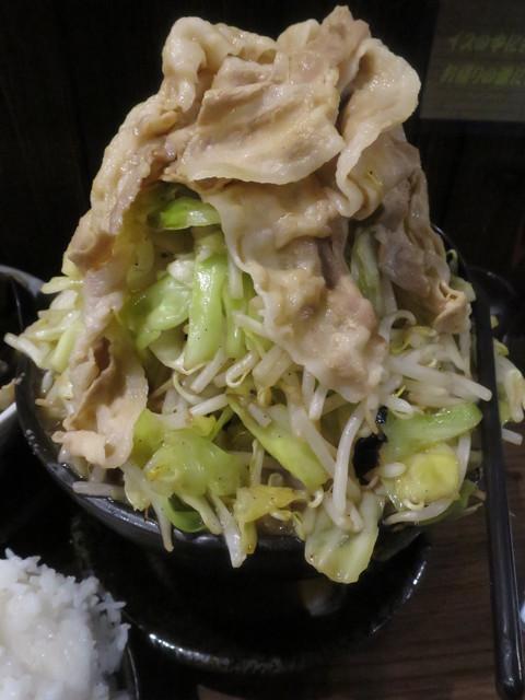 麺屋わっしょい - W全祭盛の本体です♪野菜の圧縮率が過去に比べると低そうw(2015.02.18)