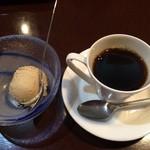 柿の葉ずし 平宗別館 倭膳たまゆら - 料理写真:2014年10月ランチのデザート、奈良漬アイスも美味しゅうございました。