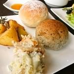フィッシュテイル - 芋、パングラタンとパン